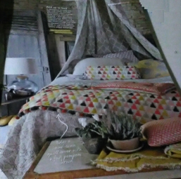 decorators-tips-the-bed